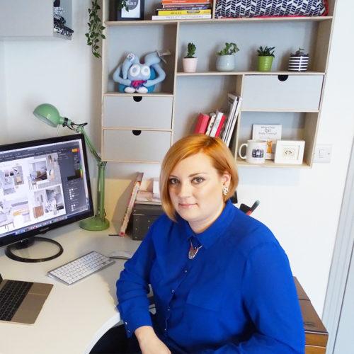 Picture of Victoria Hopkins working in her studio